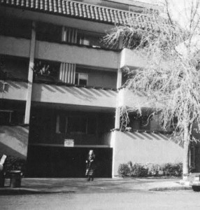 On a second floor apartment of this building on Alice Street in Oakland, California, Jonas Pleškys was found dead in April of 1993. His sister Eugenija is seen at the bottom.