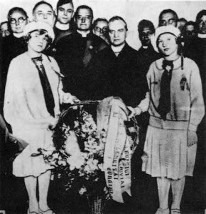 Members of Chicago's Lithuanian community meet Archbishop Matulaitis upon his arrival at the city's railroad station on April 16/1926.