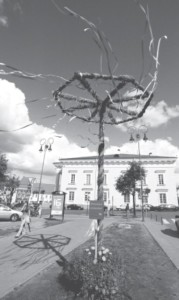 A kupolė maypole in the center of Vilnius.
