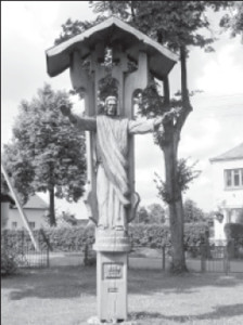 One of the sculptures in the Babtai churchyard.