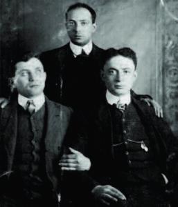 Eliezer Gilinski (on the right).
