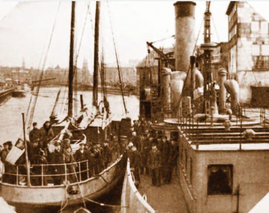 "The ""Prezidentas Smetona"" next to a detained smugglers' boat, the ""Westa"", on the Akmena-Danė River, 1930."
