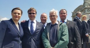 Lithuanian participants at the West Point Koščiuška commemoration. From left: Soloist Kristina Malinauskaitė, Ambassador Rolandas Kriščiūnas, Robertas Vitas, AAFKWP member Antanas Dambriūnas and Colonel Olesjasz.
