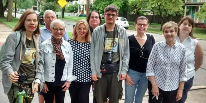 A meeting with local contacts (from l.) Aistė Žemaitienė, Stephen Kwedar, M.D., Susan Eby, Mary Ann Rackauskas, D.D.S., Rick Dunham, Augustinas Žemaitis, Gražina Macius, Sheila Mack, Maureen (Mack) Mueller. Photo by Sandra Baksys