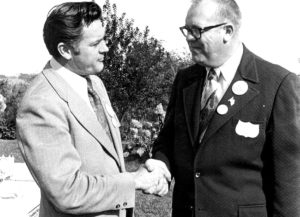 Valdas Adamkus and Congressman Edward Derwinski, 1973.