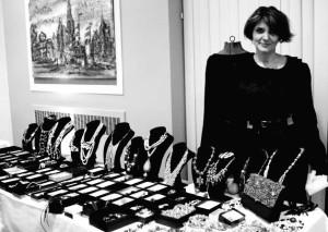 Dizainerė Rima Adomavičienė prie savo kolekcijos.