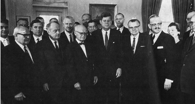 Members of the American-Lithuanian Council and the Lithuanian-American Community with President John F. Kennedy in 1962. Leonardas Šimutis, the Editor-in-Chief of Draugas, third from right, assisted in arranging the visit.