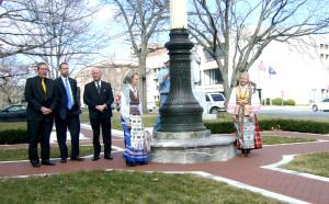 Waterbury Lietuviškos vėliavos pakėlimo ceremonija.