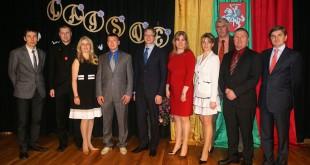 Portlando apylinkių lietuviai su garbės svečiais.