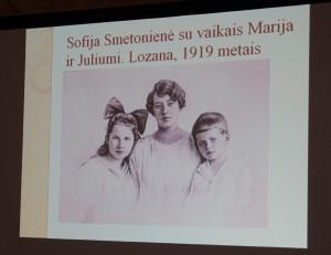 Sofija Smetonienė su vaikais.