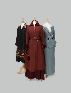 Crawley seserų kostiumai.