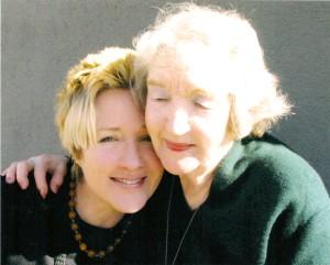 Su mama Elena Baltrušaitiene. California, 2007 m.