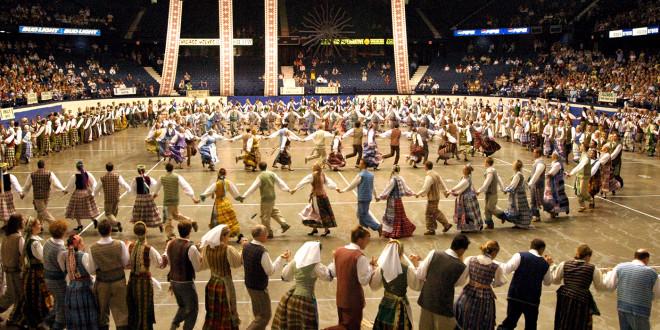 XII Tautinių šokių šventė, Čikagoje, 2004 m.