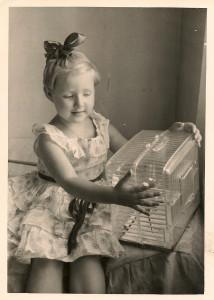 Karilė Baltrušaitytė vaikystėje.