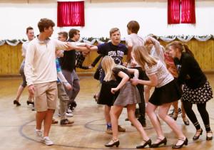 Mokomės naujus šokius.