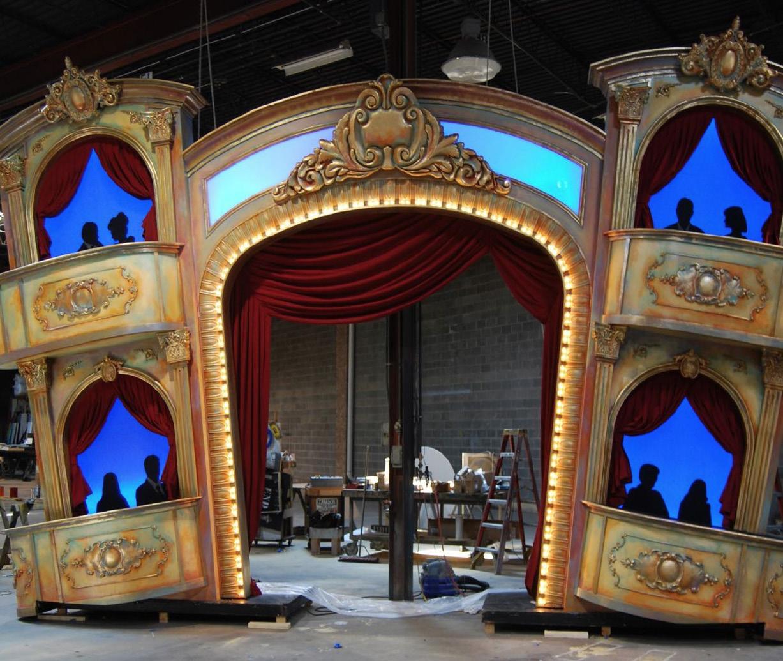 """Dekoracijos """"Big Apple Circus""""."""