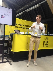 """Verslininkas Ernestas Žvaigždinas pristato savo startuolį ,,Asound""""."""