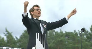 Kęstutis Daugirdas diriguoja.