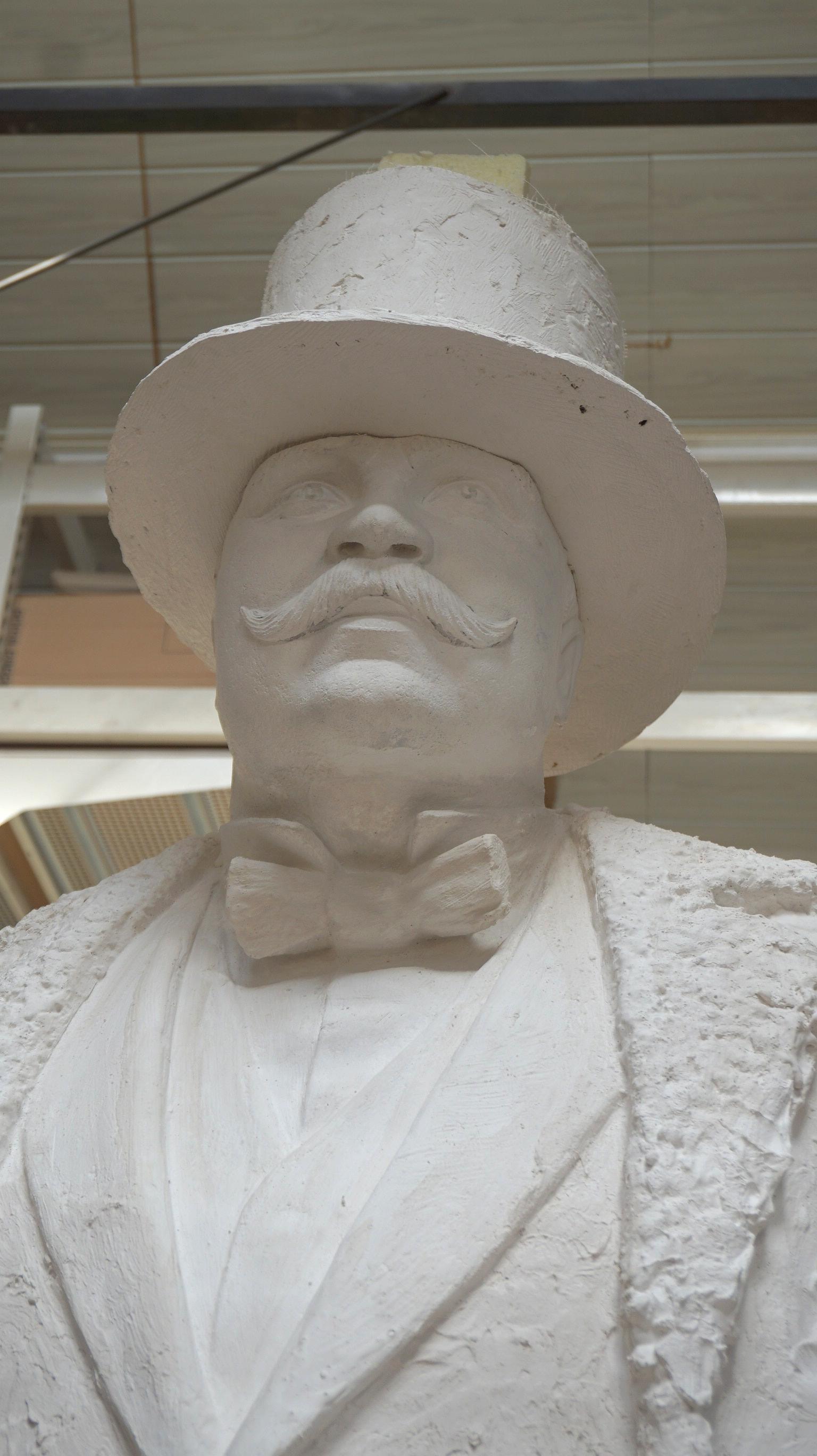 Tokį J. Vileišį pamatė skulptorius.