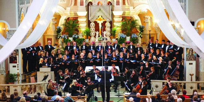 """""""Dainavos"""" ansamblio koncertas """"Saulėtekis"""" Švč. Mergelės Marijos Gimimo bažnyčioje."""