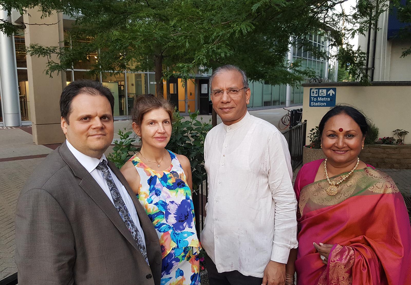 """Po privačios vakarienės su Rotary International prezidentu K. R. """"Ravi"""" Ravindran ir žmona Vanathy."""