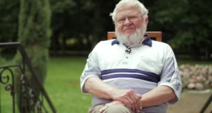 Algirdas Avižienis, Vytauto Didžiojo universiteto rektorius emeritas.