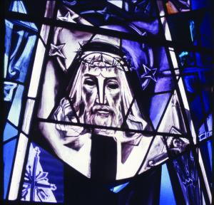"""Vitrazas """"Kristus"""" Šv. Antano koplyčioje, Kennebunkport, ME."""