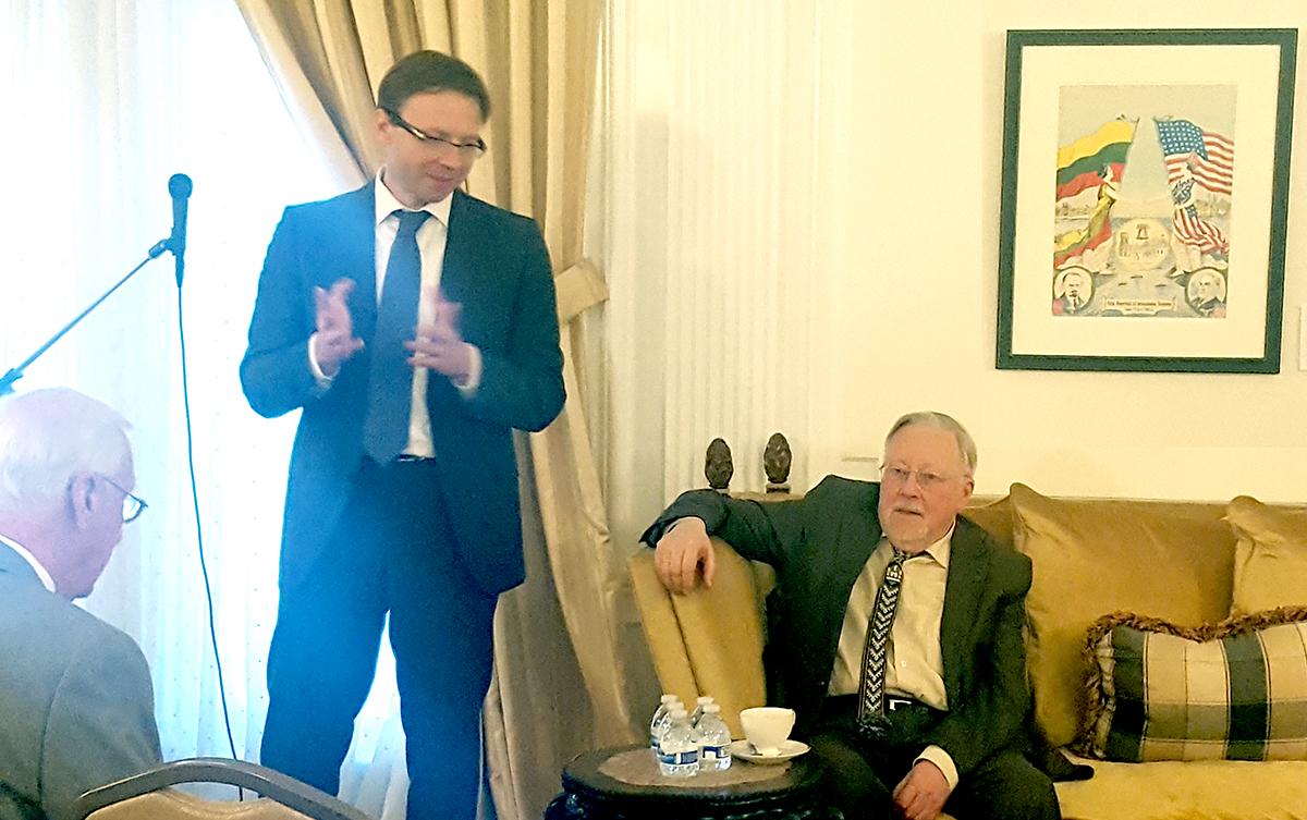LR ambasadorius R. Kriščiūnas pirmą kartą V. Landsbergio klausėsi būdamas moksleiviu.
