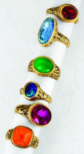 Turėdamas A. Šepkaus sukurtą žiedą, gali didžiuotis, kad tavo papuošalų kolekcijoje – tikras meno kūrinys.