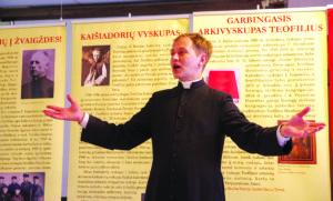 """""""Arkivysk. Matulionis neturėjo savanaudiškumo nuosėdų"""", pasakoja iš Punsko atvykęs Sendraugių stovyklos kapelionas, kun. Marius Talutis."""