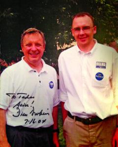 Su JAV senatoriumi Richard Durbinu (k.) po praktikos senatoriaus biure Čikagoje 2004 m.