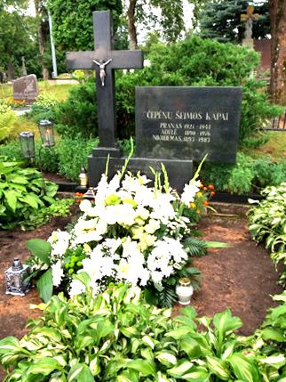 Mečislovo Algirdo Čepėno palaikai atgulė šalia tėvų Daugailių kapinėse, Utenos r.