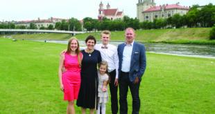 Mokslininkų Leipų šeima po dvejų metų, praleistų Amerikoje, planuotai grįžo į gimtinę.