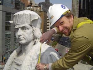 Darbai suvedė net su Kolumbu.