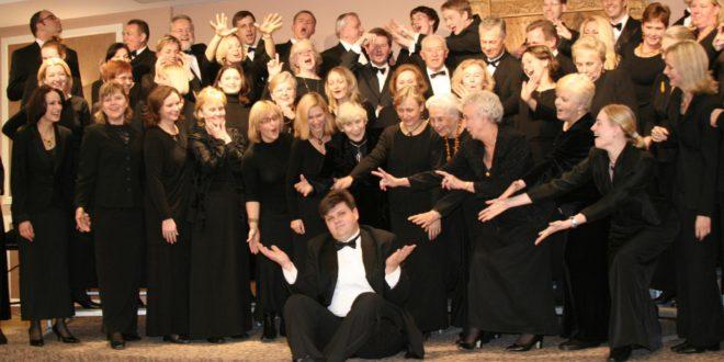 """Darius Polikaitis – diplomuotas inžinierius, nors mūsuose geriau žinomas kaip muzikas, dirigentas, atlikėjas ir chormeisteris, meno ansamblio """"Dainava"""" bei vaikų choro """"Vyturys"""" vadovas."""