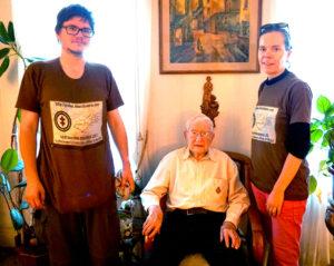 """Aistė ir Augustinas Žemaičiai svečiavosi Amsterdamo lietuvio Eddie Žiaušio namuose – """"lietuviškame muziejuje""""."""