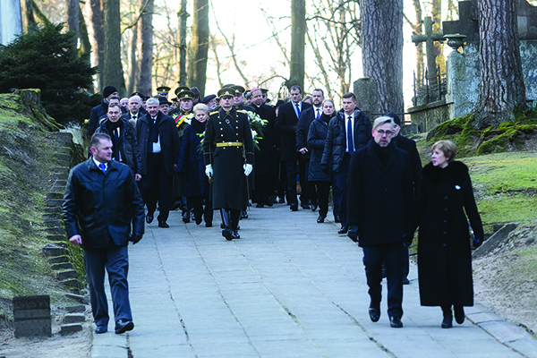 Sausio 13-osios minėjimas Antakalnio kapinėse.