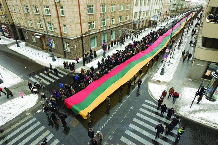 Lietuvos vėliava Gedimino prospekte.