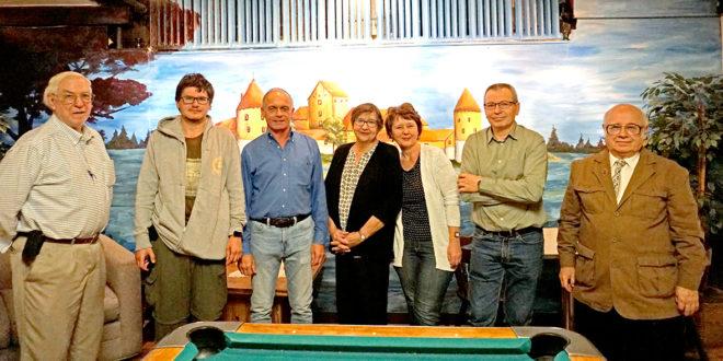 """Iš kairės: Henry Gaidis, """"Tikslas – Amerika"""" vadovas Augustinas Žemaitis, Rytis Grybauskas, Marija Patlabaitė, Jūratė Bujanauskienė, Gintaras Bujanauskas ir Aleksandras Radžius."""