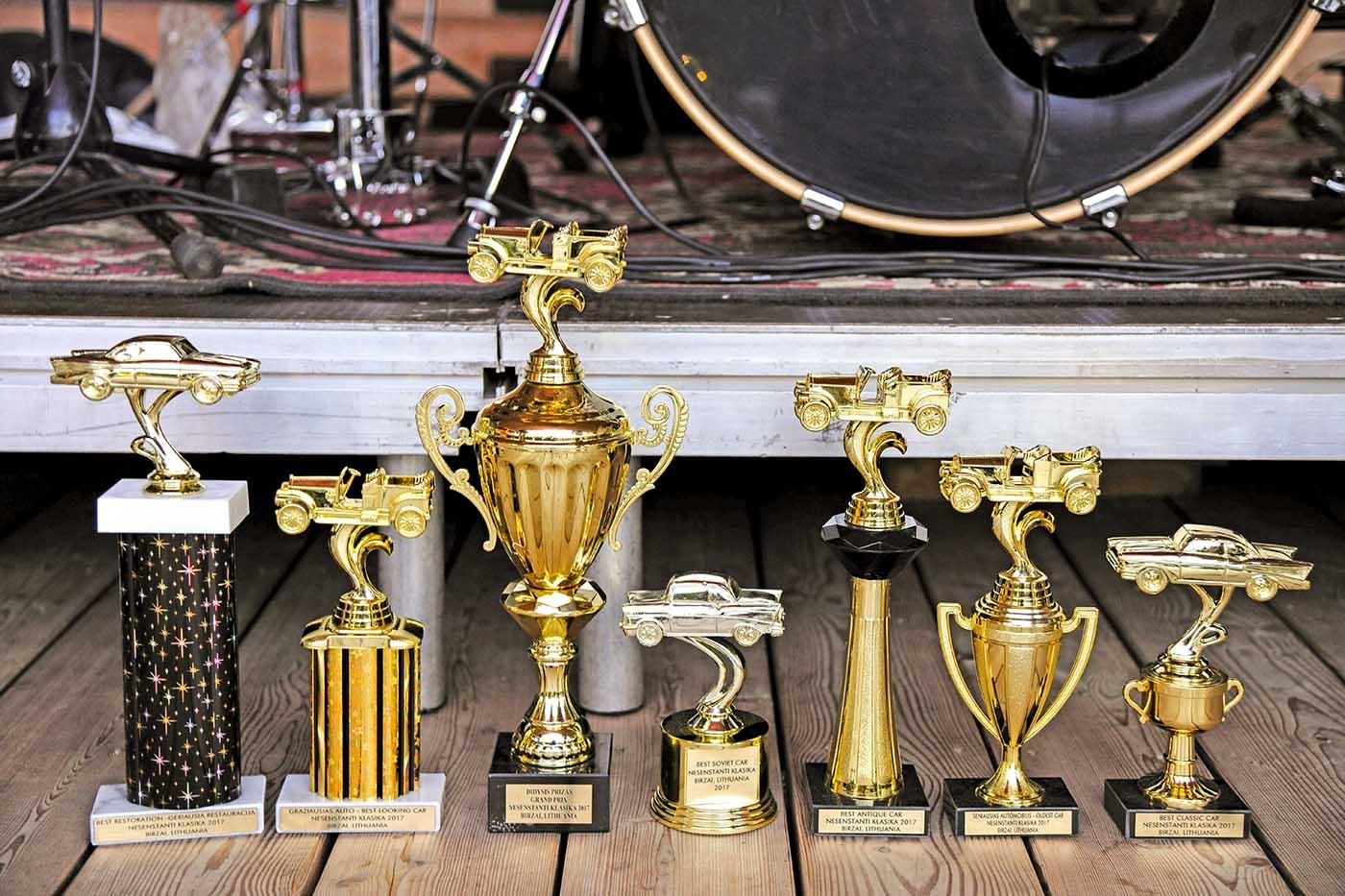Apdovanojimai, skirti renginio laimėtojams.