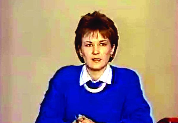 Po kelių akimirkų TV diktorės Eglės Bučelytės balsas nutils, palikdamas Lietuvą nežinioje. Ji jau mato į studiją besiveržiančius automatais ginkluotus sovietų karius.
