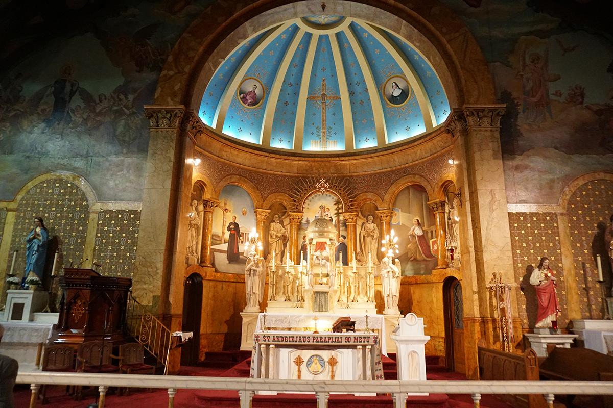 Philadelphijos Šv. Andriejaus bažnyčia – viena iš įspūdingiausių Philadelphijos lietuvių bažnyčių.