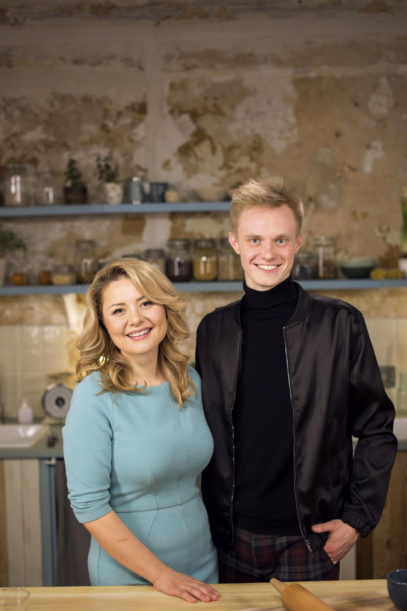 Labdaros vakarą ves Beata Nicholson ir Rokas Bernatonis.