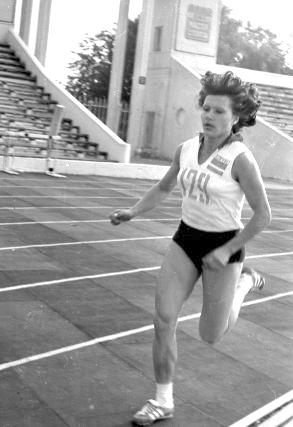 L. Baikauskaitei iki medalio teko nubėgti labai daug kilometrų.