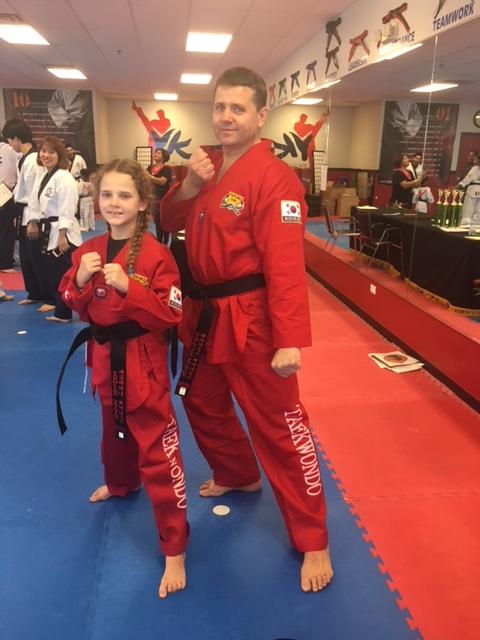 Karolina su tėčiu Remigijumi prakaitą lieja treniruotėse ir kartu dalyvauja varžybose.