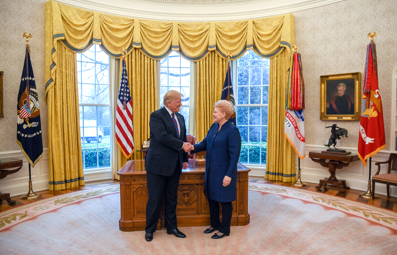Prezidentė Dalia Grybauskaitė su JAV Prezidentu Donald Trump.