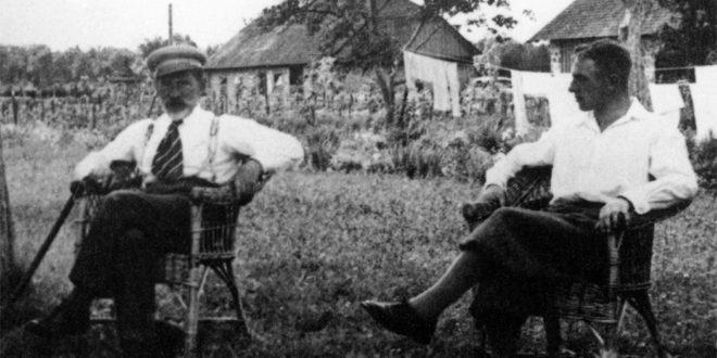 A. Smetona ir P. Skardžius Užugirio dvare poilsio akimirką 1938 m.