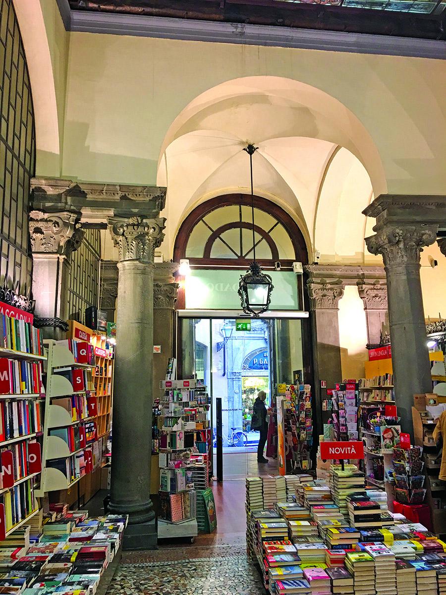 Luccos knygynas – magiška vieta knygų gurmanams.