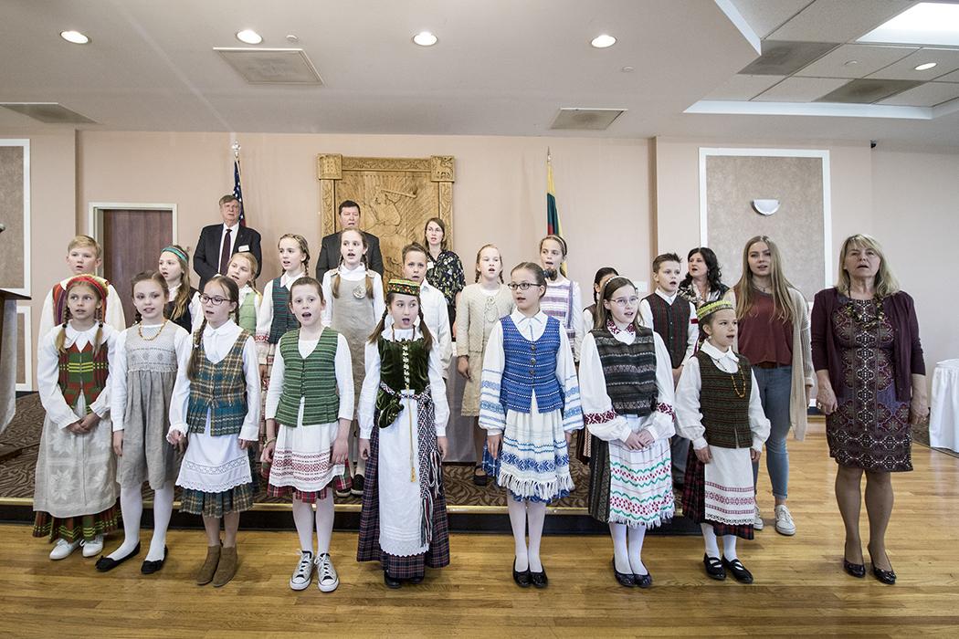 LF suvažiavimo pradžioje Lietuvos himną sugiedojo Maironio lituanistinės mokyklos 4 klasės mokiniai (mokytoja Loreta Lagunavičienė, muzikos mokytoja Revita Durtinavičiūtė).