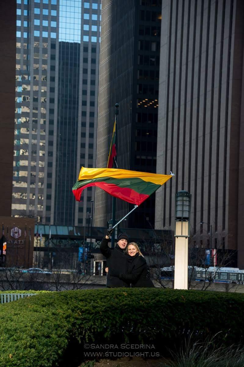Viktorija Černičenko su vyru Andriumi po Padėkos dienos parado Čikagoje.